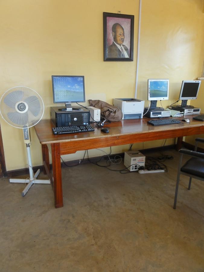 Computer_in_Uganda_(5349221408)